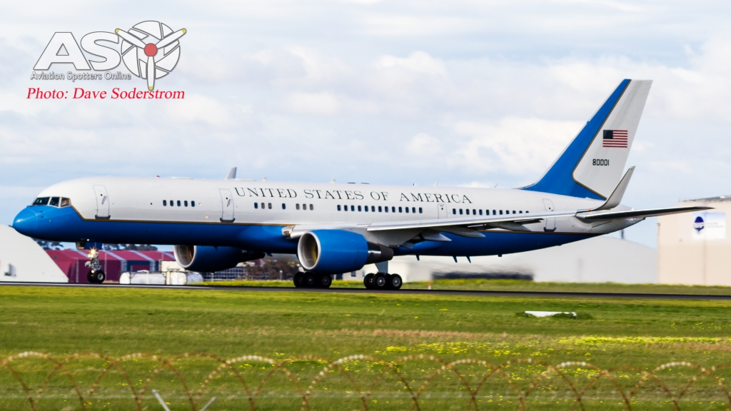 USAF C-32A 98-80001 Take off ASO (1 of 1)