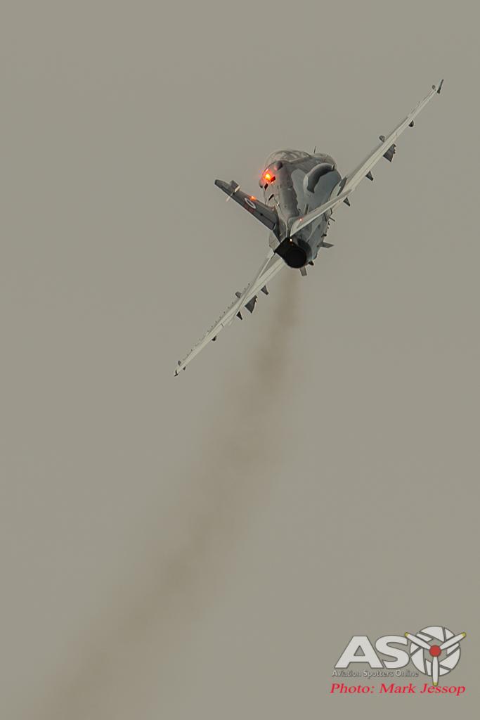 RAAF Hawk Solo Display