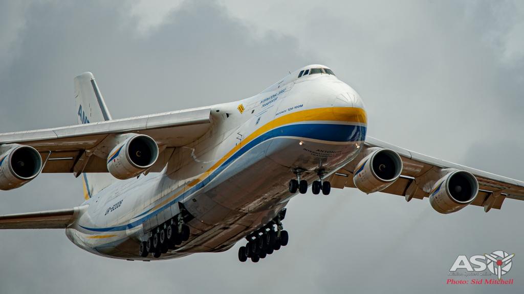 UR-82008-AN-124 Darwin 2