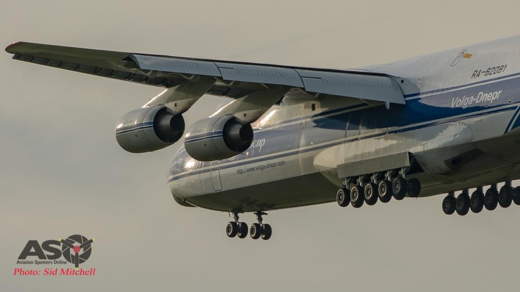 AN 124-100 RA-82018