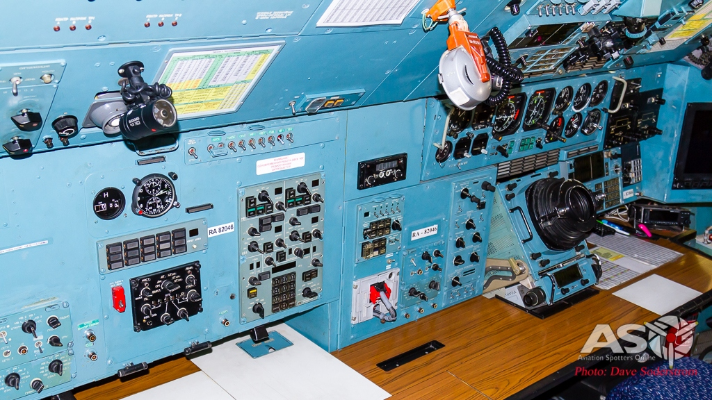 LR RA-82046 Volga-Dnepr AN-124 cockpit 2 ASO (1 of 1)