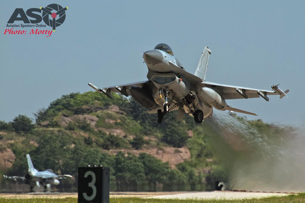 005-Mottys-ROKAF-F-16-123FS-004-Kunsan-Buddy-Wing-15-4