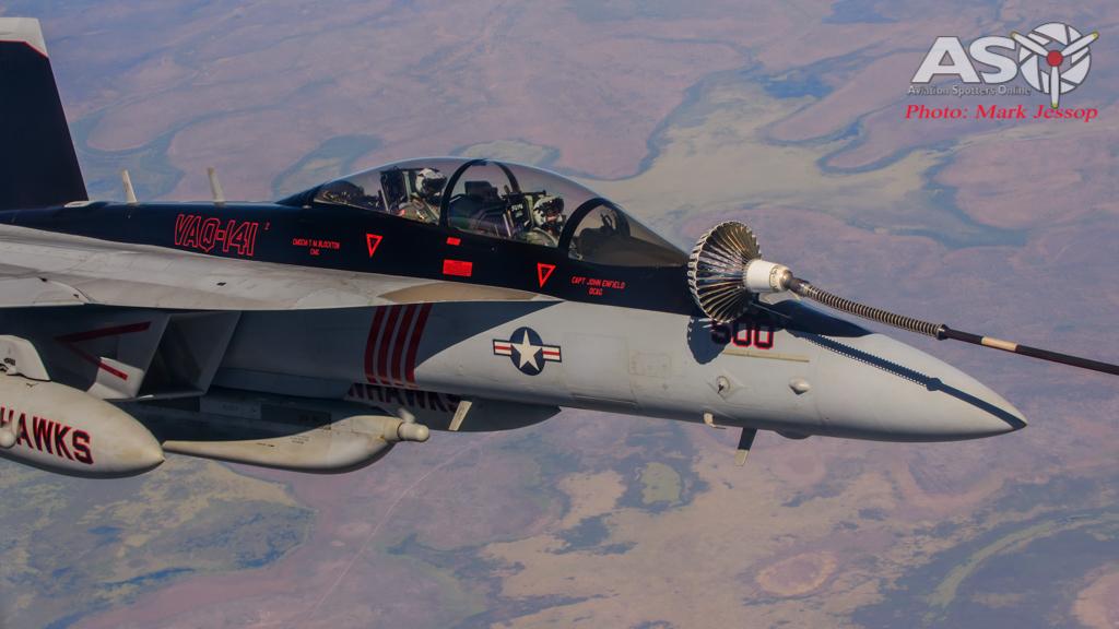 tanker air to air_-10