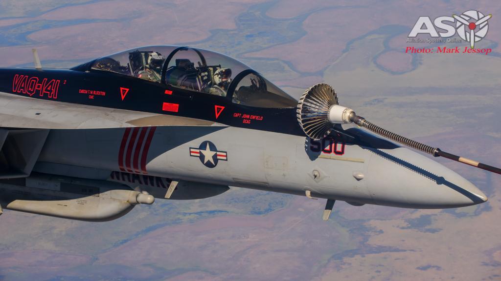 tanker air to air_-11