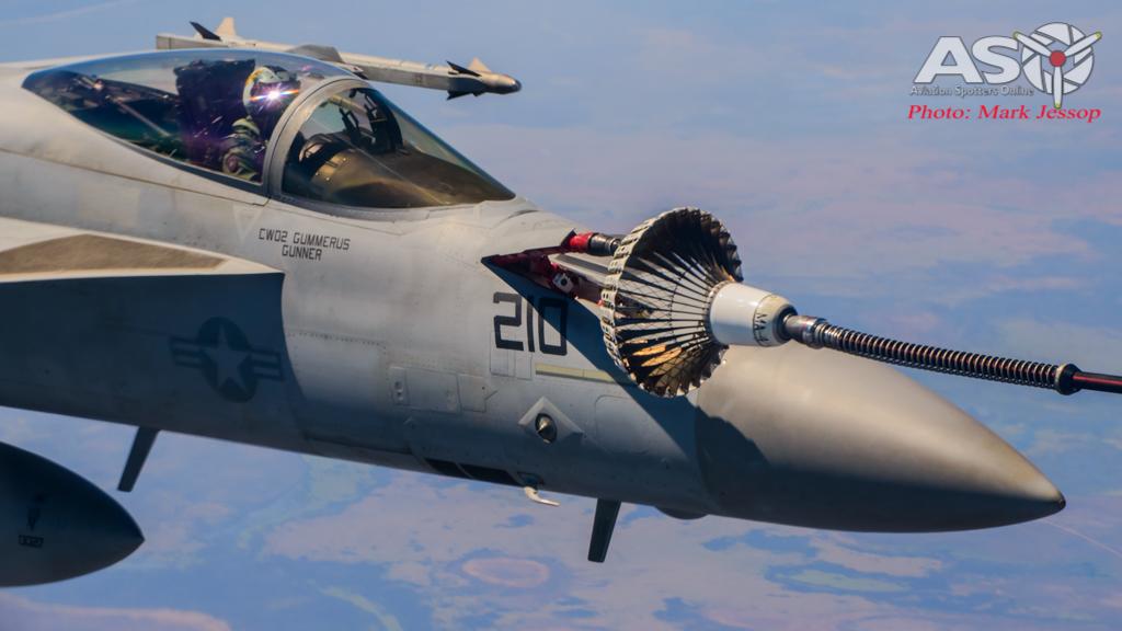 tanker air to air_-21