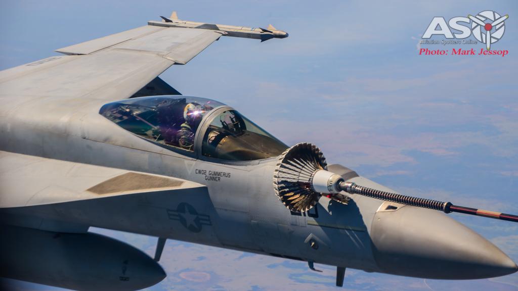 tanker air to air_-23