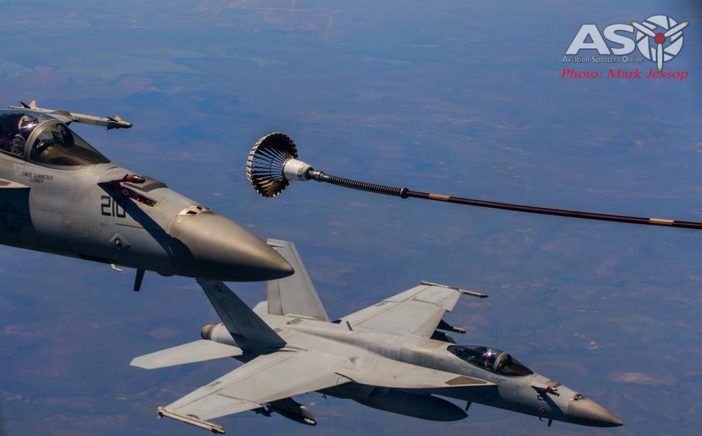 tanker air to air_-26