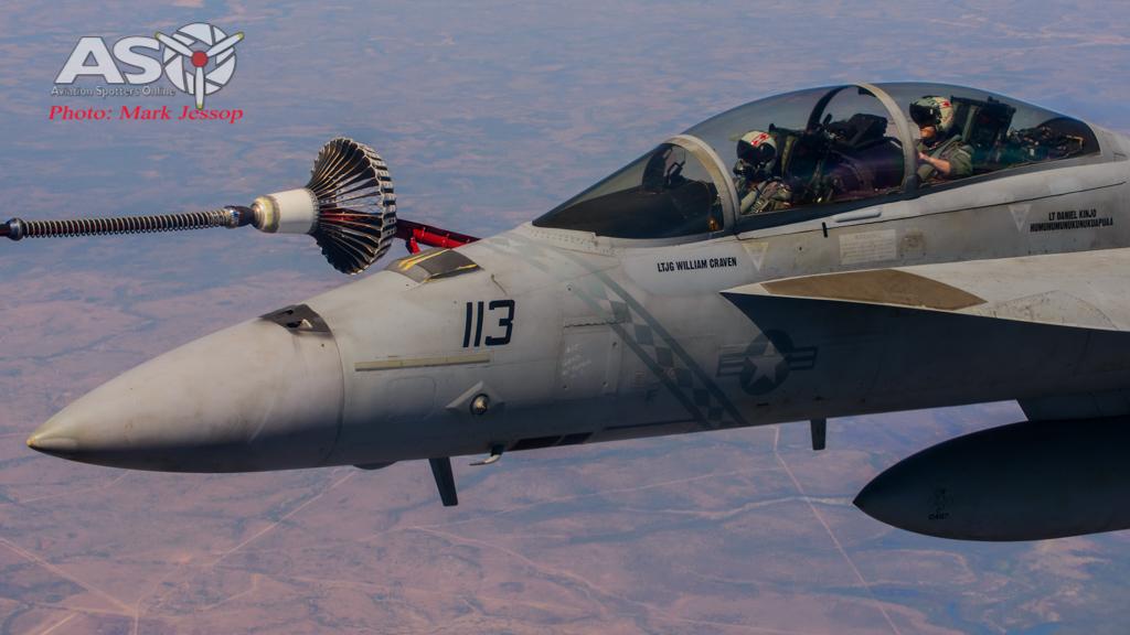 tanker air to air_-33