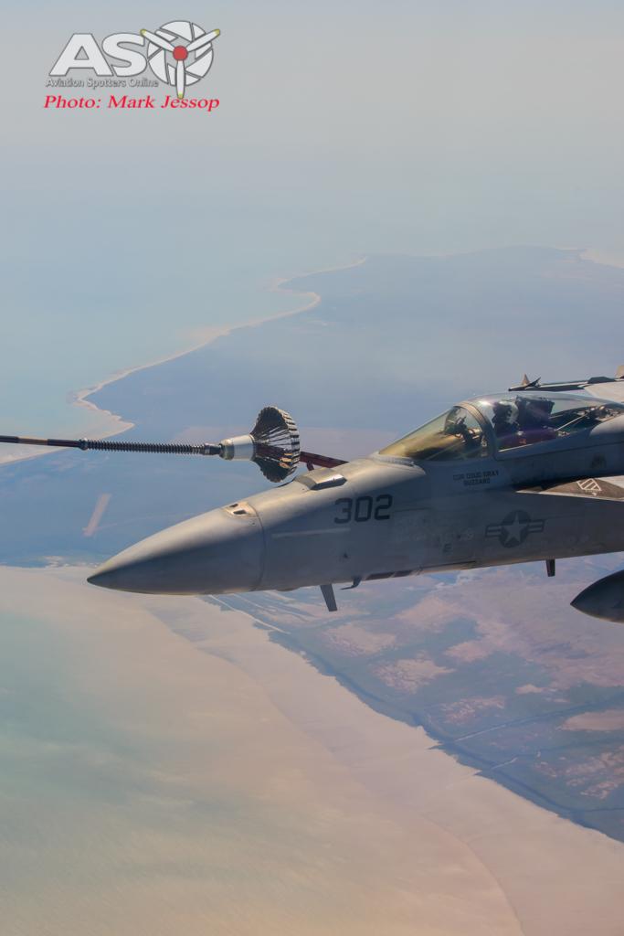tanker air to air_-43
