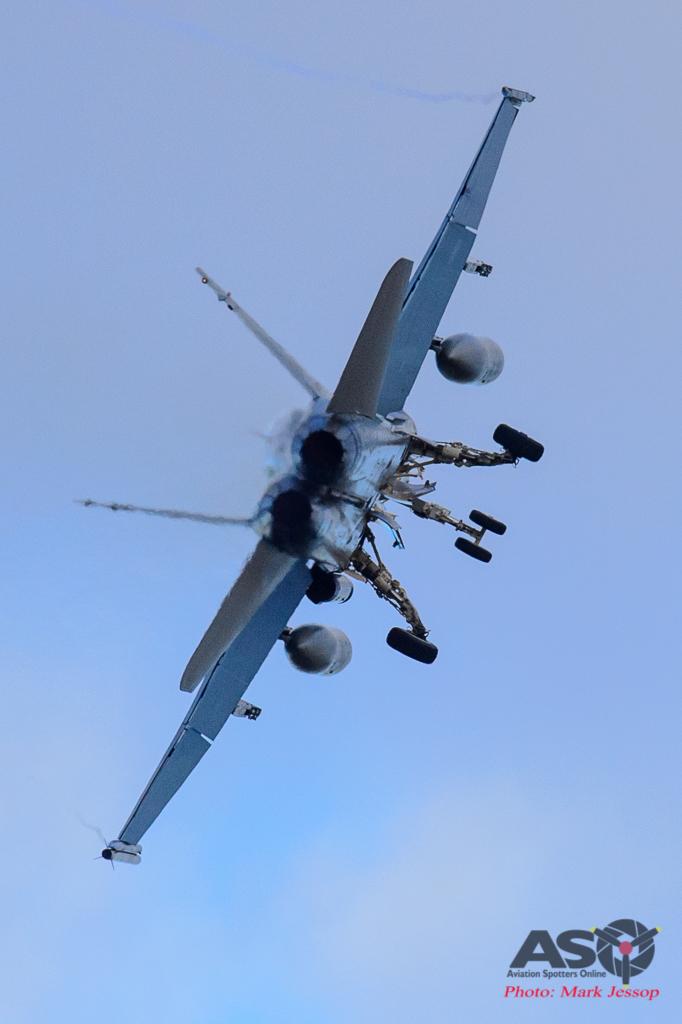 F/A-18A Hornet Go around