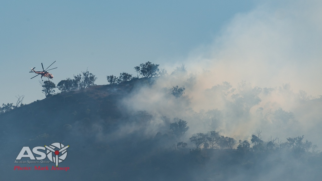 Water drops Mudgee fire (1 of 6)