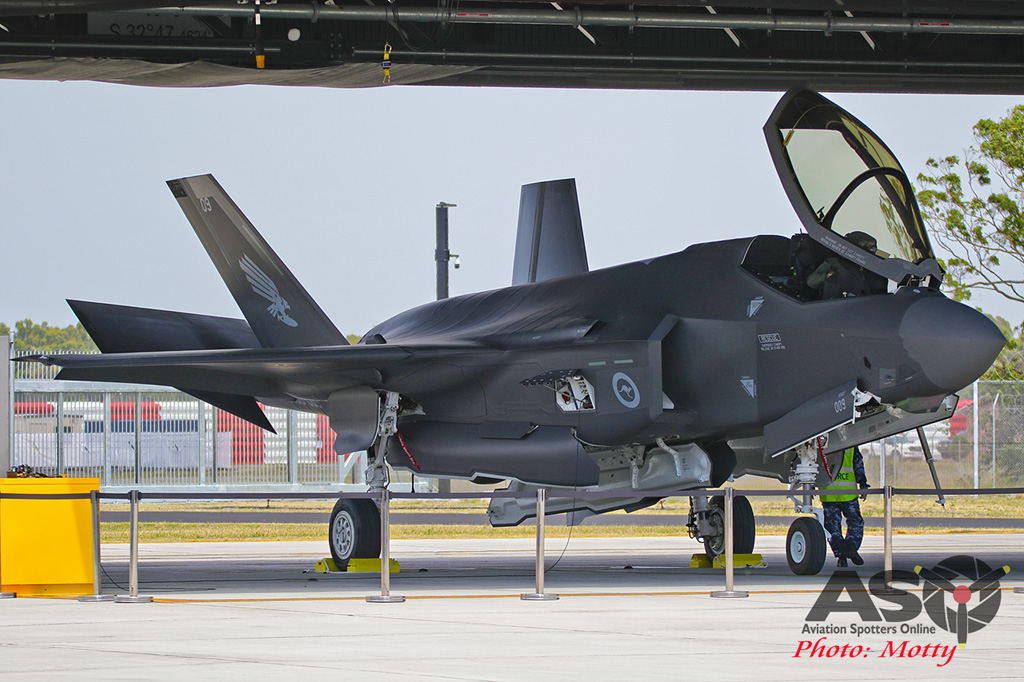 Mottys-First RAAF F-35 Arrivals at Williamtown-02208-ASO