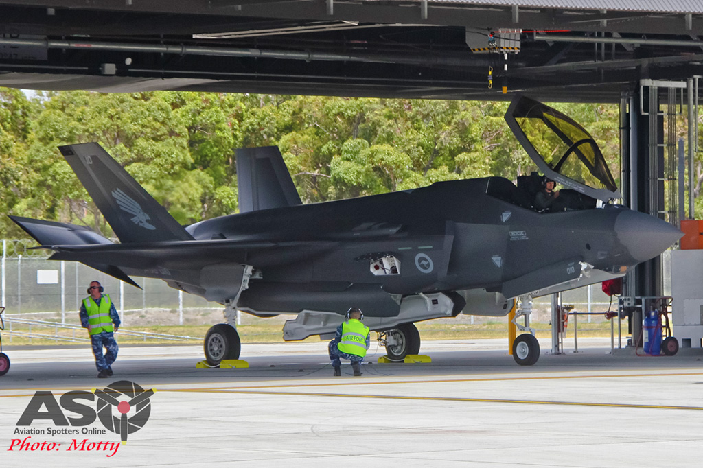 Mottys-First RAAF F-35 Arrivals at Williamtown-02586-ASO