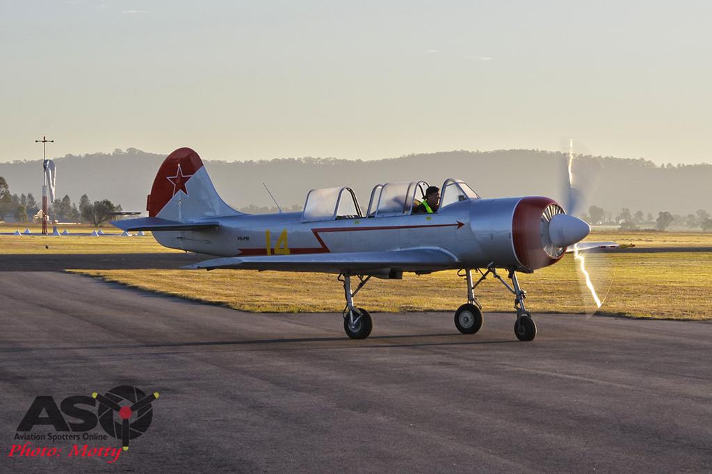 Mottys Yak-52 VH-FRI 0003 HVA 2015