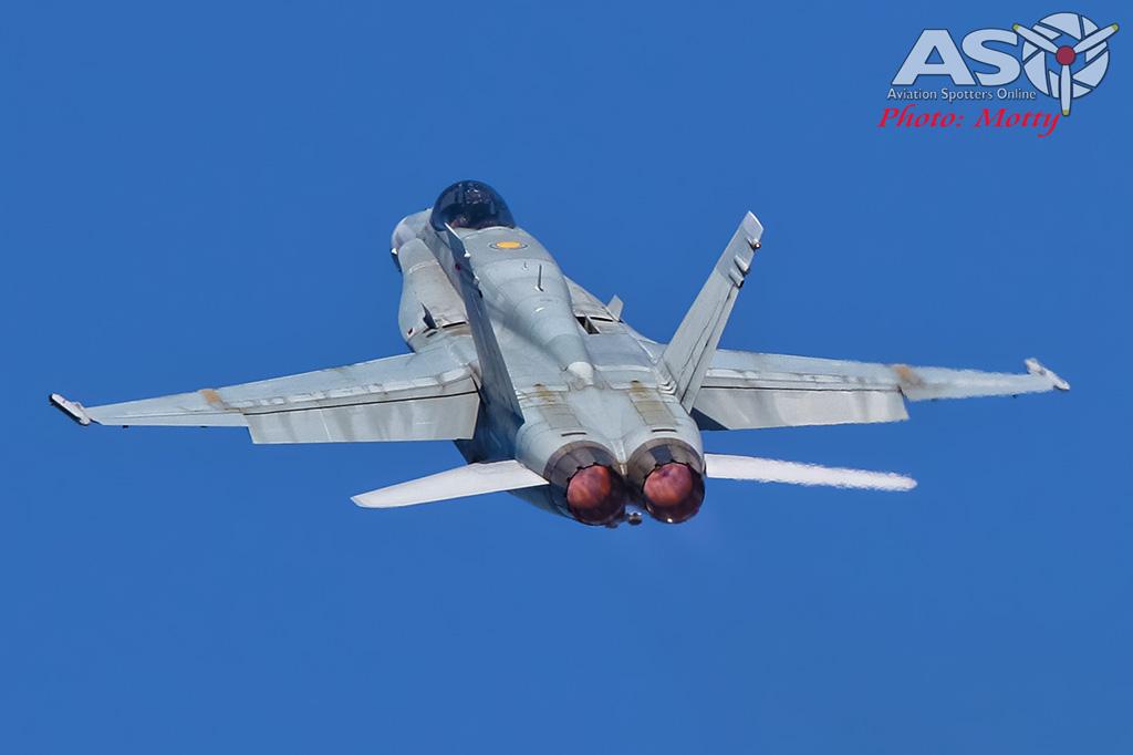 Mottys-Newcstle Coats Hire V8 Supercars RAAF Hornet Display-01355-ASO