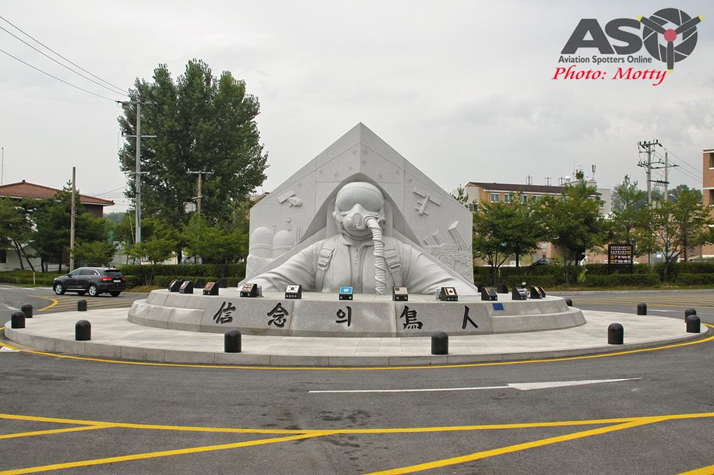 Mottys-Osan-ROKAF-Monument-2016-1722-DTLR-1-001-ASO