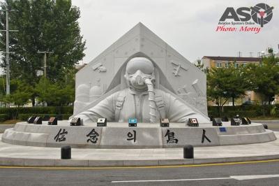 Mottys-Osan-ROKAF-Monument-2016-1724-DTLR-1-001-ASO