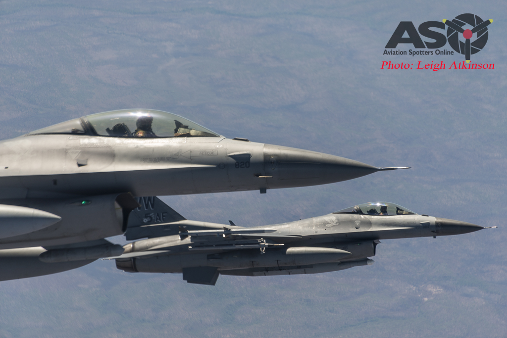 F-16\'s in nice and close