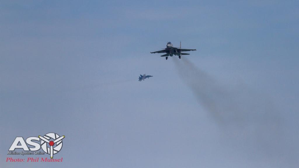 Sukhoi Su-30MKI on finals