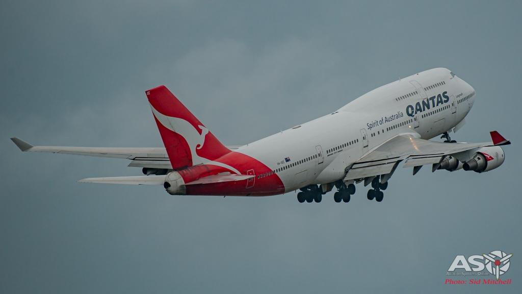 """Qantas Boeing 747-438, VH-OEE, \""""Longreach\"""""""