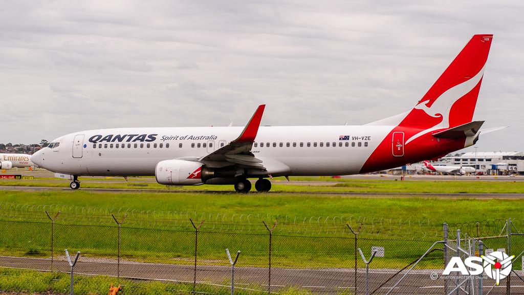 VH-VZE Boeing 737-838 QANTAS