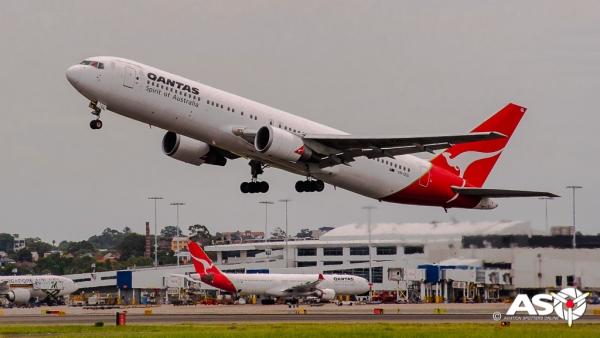 VH-OGL Boeing 767 QANTAS