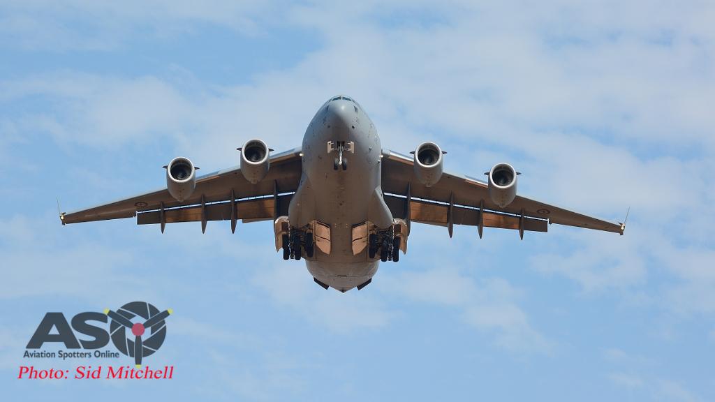 RAAF C-17 landing at Darwin
