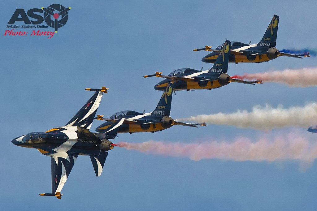 Mottys-Sacheon-ROKAF-Black-Eagles-T-50B-03906-ASO
