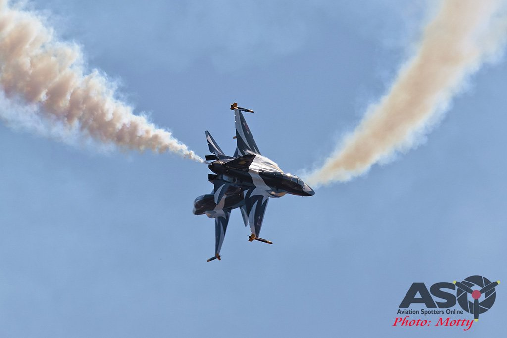 Mottys-Sacheon-ROKAF-Black-Eagles-T-50B-03918-ASO
