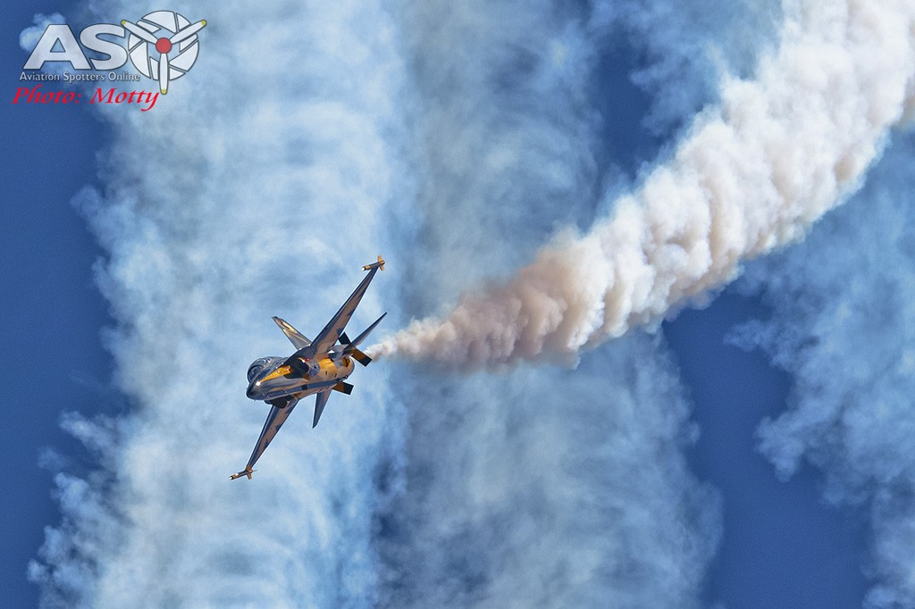 Mottys-Sacheon-ROKAF-Black-Eagles-T-50B-04070-ASO
