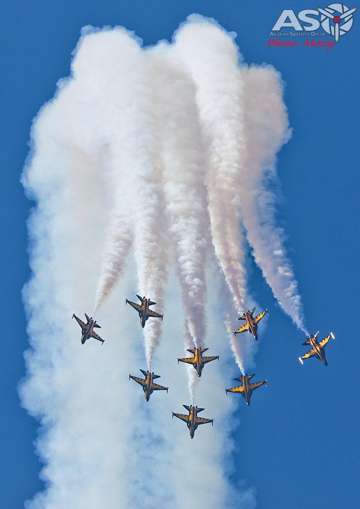 Mottys-ROKAF-Black-Eagles-KAI-T-50-Seoul-ADEX-2017-4-SAT-4138-ASO