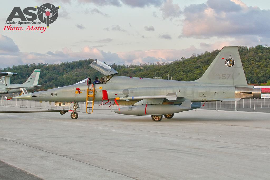 Mottys-ROKAF-Northrop-KF-5E-Seoul-ADEX-2017-5-SUN-9+_4493-ASO
