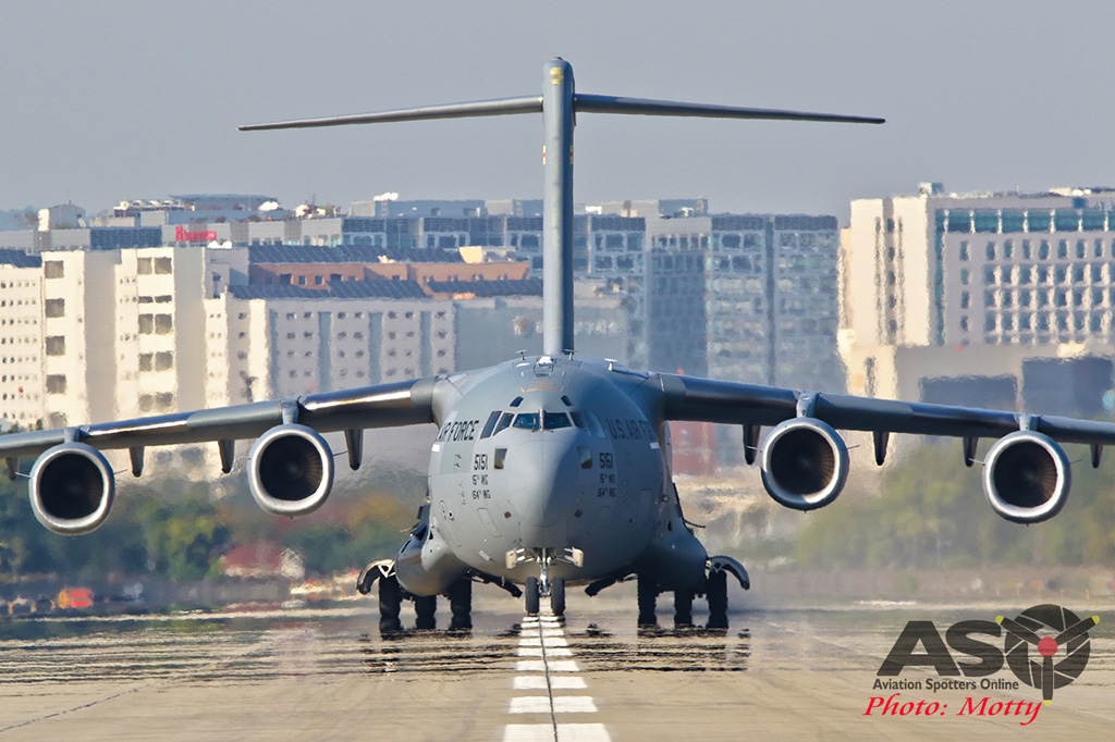 Mottys-USAF-C-17-Globemaster-III-Seoul-ADEX-2017-3-FRI-9139-ASO