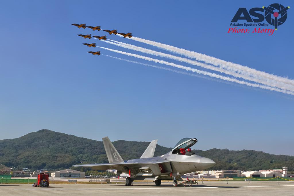 Mottys-USAF-F-22-Raptor--Seoul-ADEX-2017-3-FRI-9+_662-ASO