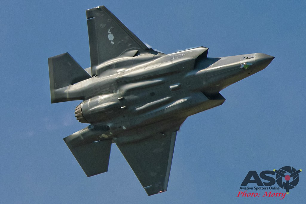 Mottys-Seoul-ADEX-2019-Flypasts-02343-DTLR-1-001-ASO