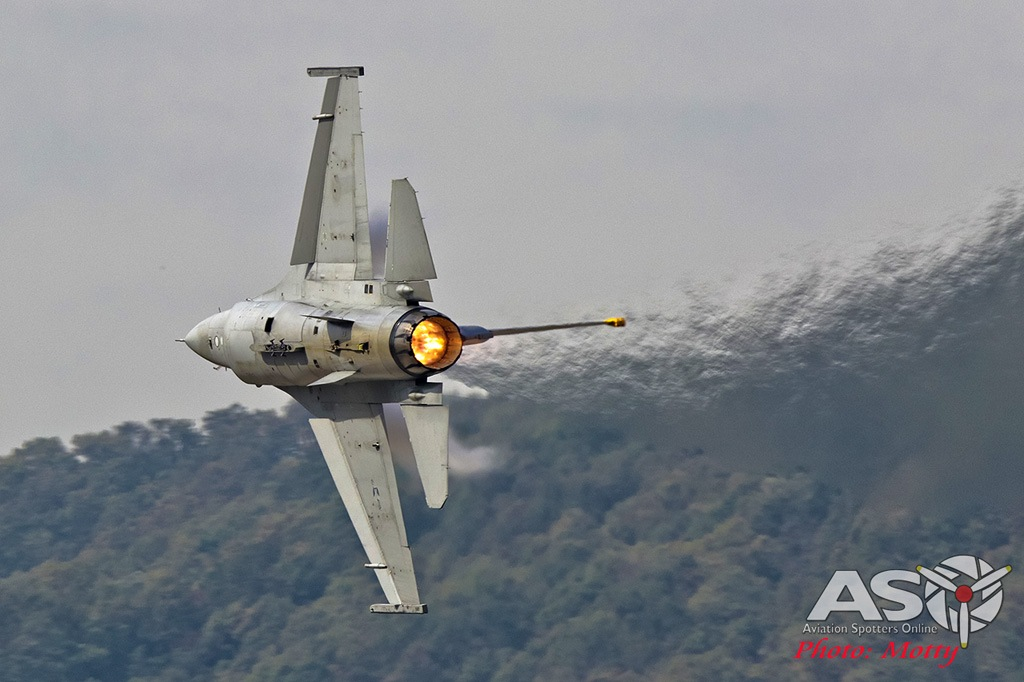 Mottys-Seoul-ADEX-2019-F-16s-02492-DTLR-1-001-ASO