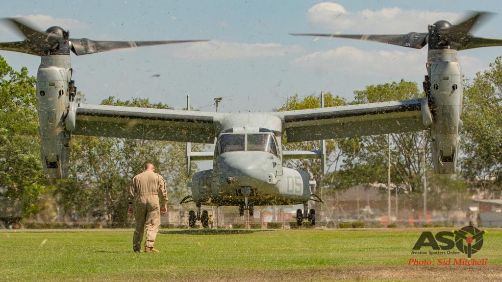 17F_8792MV22B Osprey from VMM-268 landing