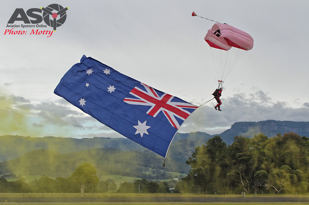 Wings Over Illawarra 2016 Red Berets-027