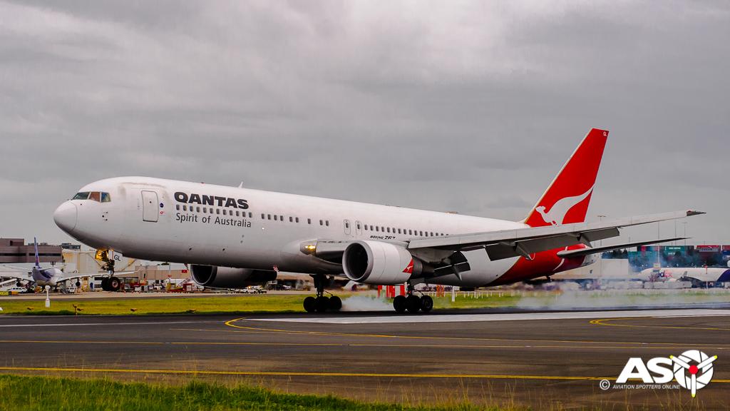 Cockpit video of Qantas 767 final flight!