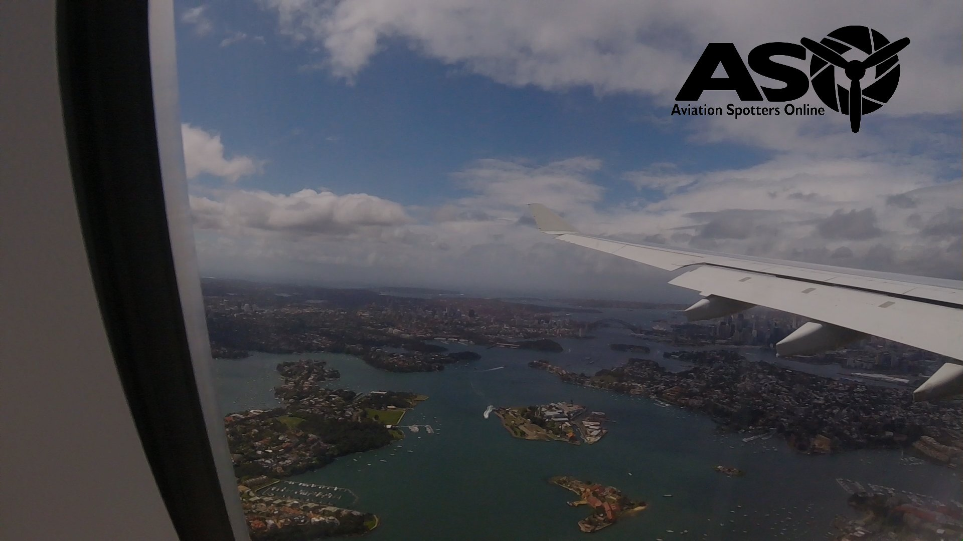 QANTAS Airbus A330 landing at Sydney Airport in strong wind