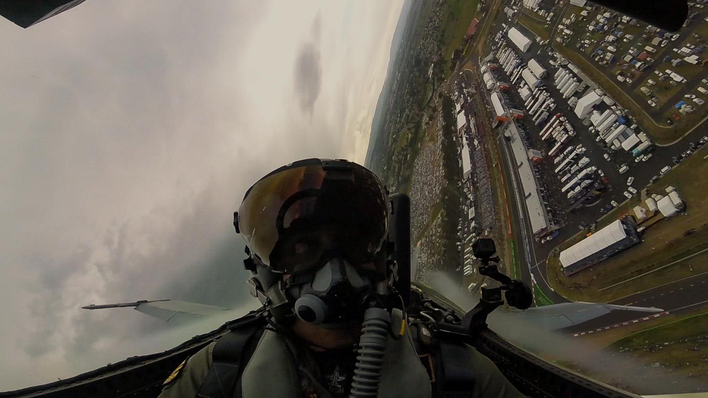 Bathurst 1000 RAAF F/A-18A Hornet Display Video-Saturday 2015.