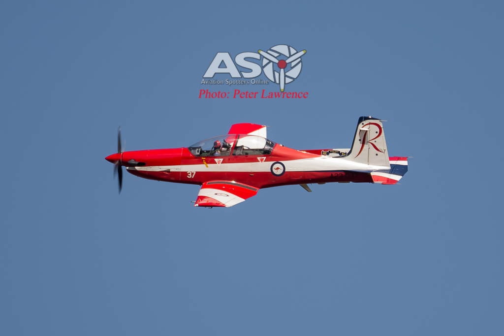 RAAF Roulettes And A Hornet at the 2016 Clipsal 500 @ Adelaide