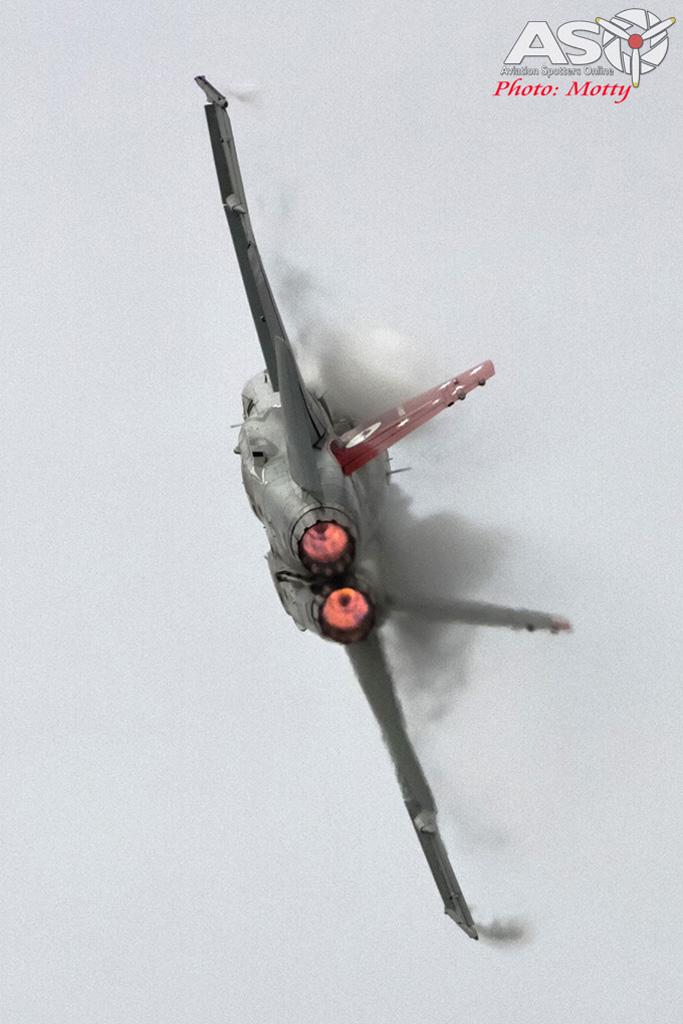 RAAF F/A-18A Hornet Display Mattara Festival 2015.
