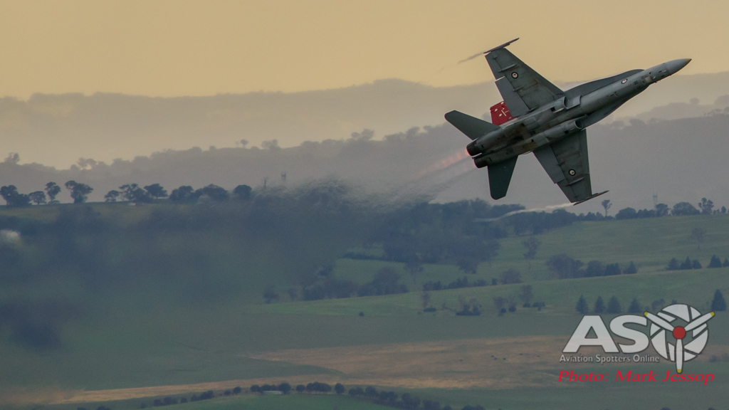 2015 Bathurst 1000 F/A-18A Display